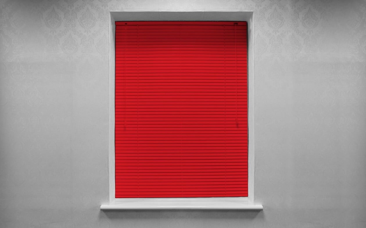 Jalousie-Traditional-Primary-Red-Aluminium-Venetian-D